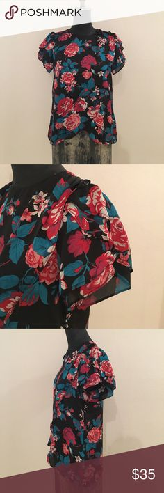 Floral tulip sleeve cross front blouse Double layer sleeve treatment for extra flirty shape, subtle cross front design detail and bold floral print. Great, like new condition. Tops Blouses
