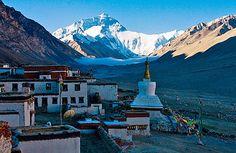 Mount Everest hautnah erleben durch unsere 8 tägige Tibet Gruppenreise. Zahlreiche Tibet Highlights und ein unvergessliches Reiseerlebnis!