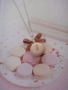 Halskette kleinen Pariser Macaron von café deleita auf DaWanda.com