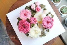 My work Peony enohanacake.com Kakaotalk ID:touko76 Line:enohanaflowercake  Enohana flower cake & baking class studio #realrose#peony#tulips#버터크림플라워케이크 #플라워케이크 #플라워케이크클래스 #birthdaycake #주문케이크#수제케이크#생일케이크#웨딩케이크#buttercreamcake #butter#buttercreamflowercake #flowercake #에노하나케이크  #weddingcake #dessert #dessertstagram #flowercakeclass #bakingclass #연남동#bakingstagram #cakedecorating#koreanflowercake#花蛋糕#specialcake #birthdaycake#cakedecoration