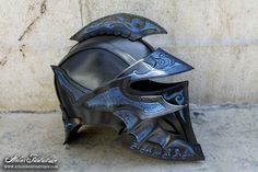 Chaotic helmet by AtelierFantastique on DeviantArt Larp Armor, Cosplay Armor, Fantasy Armor, Fantasy Weapons, Motorcycle Helmet Design, Motorcycle Style, Armor Clothing, Cool Masks, Armor Concept