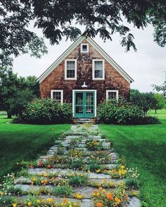 34 Trendy Home Exterior Ideas Shutters Curb Appeal Sweet Home, Home Upgrades, House Goals, Cozy House, Cozy Cottage, Brick Cottage, Cottage Door, Coastal Cottage, My Dream Home
