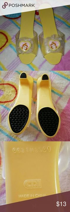 Girls Belle Dress Up Shoes Like New Lil Princess Yellow Belle CDI Shoes Sandals & Flip Flops