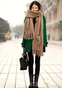 black leggings // kelly green coat // giant oatmeal scarf // short black boots