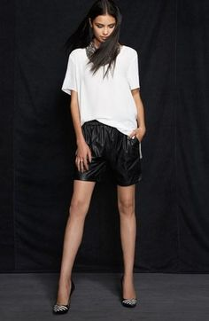Savvy Black & White style.