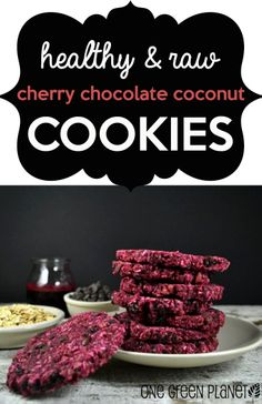 Cherry-Chocolate-Coconut Cookies with Coconut Flour Healthy Deserts, Healthy Sweets, Healthy Dessert Recipes, Clean Eating Recipes, Delicious Desserts, Healthy Snacks, Cooking Recipes, Yummy Food, Chocolate Coconut Cookies