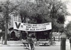 1940. Duitse propaganda banner ter hoogte van de Westerkerk. Duitse propaganda was immediately introduced at the beginning of the German occupation. Photo Spaarnestad. #amsterdam #worldwar2 #westerkerk
