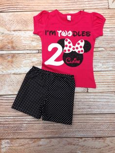 I am two minnie mouse, i'm twodles jocelyn's birthday partie Minnie Mouse Birthday Outfit, Mickey Mouse Bday, Mickey Party, Mickey Mouse Birthday, Minnie Mouse Party, 2nd Birthday Parties, Birthday Fun, Birthday Shirts, Birthday Ideas