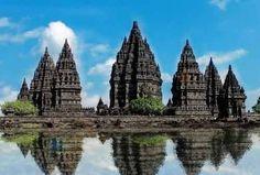 The Shailendra Dynasty: Progenitor of Mahayana Buddhism in Indonesia Buddhist Architecture, Art And Architecture, Ancient Architecture, Hindu Temple, Buddhist Temple, Java, Borobudur Temple, Mahayana Buddhism, Indonesian Art