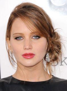Le chignon sur le côté de Jennifer Lawrence