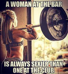 #summerbodymadeinwinter #crossfit #weighlifting #girlatthebar #strongwomen #strength #pumpingiron #365strength #lifedecisions #beastmode #eatingclean #dedication #focused #instagood #instahealth #instalike