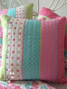 56 Ideas sewing pillows cover diy for 2019 Cute Cushions, Cute Pillows, Diy Pillows, Decorative Pillows, Patchwork Cushion, Quilted Pillow, Quilting Projects, Sewing Projects, Cushion Inspiration