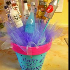 Substitute the alcohol with candies or other small items. 21st Birthday Gifts, Birthday Wishlist, Birthday Fun, Birthday Presents, Birthday Ideas, Cute Gifts, Diy Gifts, Great Gifts, 21st Bday Ideas
