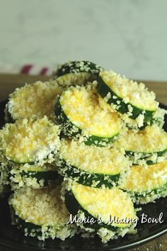 Crispy Zucchini Bites with Aioli Dip are so crunchy good! Crusted in panko breadcrumbs and fried until golden and crispy, you will love these tasty bites. Entree Recipes, Veggie Recipes, Appetizer Recipes, Great Recipes, Cooking Recipes, Bacon Recipes, Apple Recipes, Sausage Appetizers, Great Appetizers