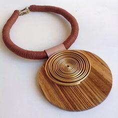 Rope Jewelry, Fabric Jewelry, Wooden Jewelry, Jewelry Crafts, Jewelry Art, Beaded Jewelry, Jewelery, Jewelry Design, Diy Necklace
