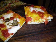 La pizza fatta in casa http://questepagine.blogspot.it/2013/05/la-pizza-fatta-in-casa.html