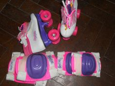 every girl in the 90s had the barbie roller blades!