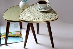 Blumenhocker / kleiner Kaffeetisch / von wohnraumformer  plant stand / small coffee table triangular / flower stool / side table / Mid Century / 50s 60s furniture Gemrany / living room home accessory