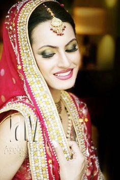 Bridal by Aeisha Varsey, Pakistan, USA http://www.facebook.com/pages/Aeisha-Varsey-USA/249021908462290 http://www.flickr.com/photos/aeishavarsey