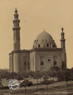مسجد السلطان حسن في القاهره حوالي عام ١٨٧٠ م Assultan Hasan Mosque - Cairo ,1870