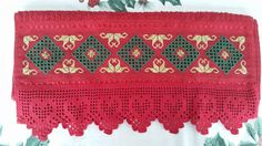 toalla navideña bordada en noruego