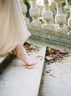 Beautiful & romantic neutral bridal session in Paris's Parc Monceau by Celine Chhuon.