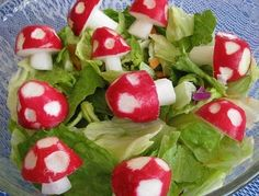 radishes that look like mushrooms.I don't even like radishes but this would be too perfect for a themed party Cute Food, Good Food, Yummy Food, Health Benefits Of Radishes, Cuisine Diverse, Snacks, Food Humor, Creative Food, Food Presentation