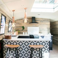 The Boathouse London is the most stylish barge you'll ever seen Home Design, Interior Design, Interior Ideas, Design Ideas, Canal Boat Interior, Barge Interior, Barge Boat, Reclaimed Wood Paneling, Floating Hotel