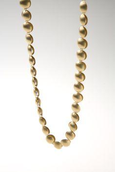 ETSUKO SONOBE-JP- necklace 2008 20 ct gold, pearls - 160 x 160 x 7 mm