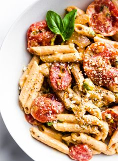 A Creamy Tomato Gluten Free Penne Pasta dish that's ready in 25 minutes, delicious, and dairy free. This gluten free penne pasta recipe is perfect for those who are new to gluten free or are looking f Gluten Free Penne Pasta Recipe, Healthy Pasta Recipes, Healthy Pastas, Crockpot Recipes, Healthy Food, Vegan Food, Vegan Pasta, Healthy Skin, Light Pasta