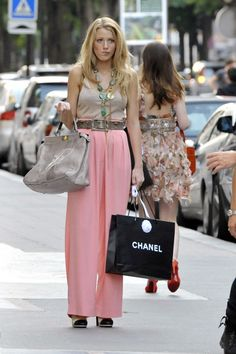 Blake Lively a.k.a. Serena Vanderwoodsen loves Chanel too.