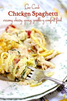 Easy chicken spaghetti casserole adapted to be keto friendly and low carb. Enjoy… Easy chicken spaghetti casserole adapted to be keto friendly and low carb. Enjoy this healthy southern favorite anytime! Huhn Spaghetti, Chicken Spaghetti Recipes, Low Carb Chicken Recipes, Healthy Low Carb Recipes, Low Carb Dinner Recipes, Keto Dinner, Keto Chicken, Keto Recipes, Healthy Food