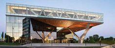 Centra Metropark by Kohn Pedersen Fox (KPF) : Centra-Metropark Cantilever Architecture, Architecture Office, Architecture Design, Steel Buildings, Modern Buildings, Design Exterior, Commercial Architecture, Steel Structure, Interior Design Studio