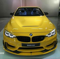 BMW F83 M4 cabrio yellow