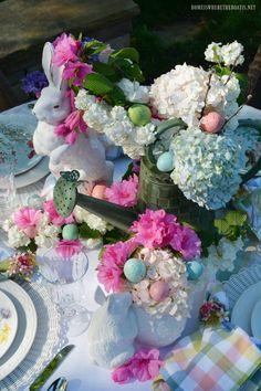 Alfresco spring table   ©homeiswheretheboatis.net #spring #lake #Easter #tablescapes