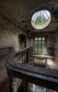 Mesmerizing Abandoned Building Photography