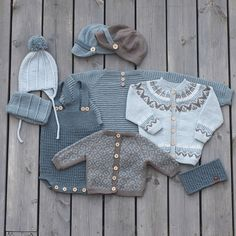 Knit for boys. We are working on a new booklet. Guttestrikk-heftet jobbes iherdig med disse dager :) Vi kommer med dato for… Diy Crafts Knitting, Knitting For Kids, Baby Knitting Patterns, Baby Outfits, Kids Outfits, Baby Barn, Baby Pullover, Knitted Baby Clothes, Baby Vest