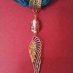 Bague de foulard perle de verre et grande aile