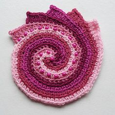 Spirale freeform con perline