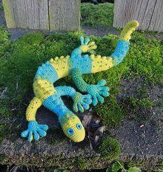 Free pattern Ravelry: Gecko Frecko pattern by Raphaela Blumenbunt.