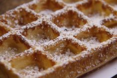 Knusperwaffeln - Rezept | GuteKueche.at Clean Eating, Healthy Eating, Thermomix Desserts, Waffle Recipes, Healthy Beauty, Healthy Habits, Sweet Recipes, Waffles, Food And Drink