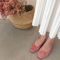 Suede it out in pastel with this pair of chic and foxy slingback flats! Slingback Flats, Espadrilles, Pretty Little, Peep Toe, Pastel, Spring Summer, Notes, Pairs, Chic