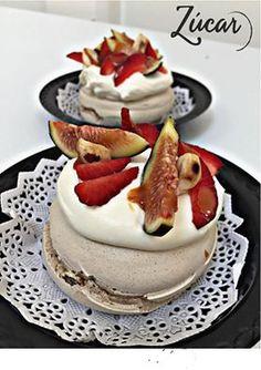 Pavlova de frutos rojos   #pavlova #Tartademaracuya #weddingdessert #eventos #Reposteriafina #dessert #Postrealplato #zucar #madeinmexico #Weddings #planners #futurebrides
