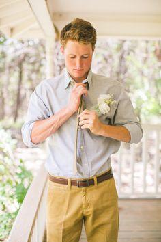 Casual groom attire for outdoor wedding