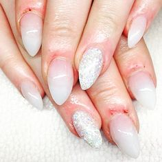 akrylic nails, natural with glitter