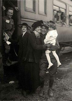1917. Soldado voltando da guerra.