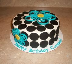 SUPER simple cake...so fun!    Quilled Flower Cake By cakesbykayla on CakeCentral.com