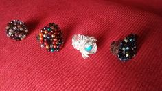 Anillos con cristales, turquesas, perlas