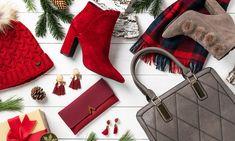 sesja świąteczna, czerwone dodatki, galanteria damska, torebka, buty z pomponem, czerwony portfel, kolczyki Hermes Birkin, Adidas, Fashion, Moda, Fashion Styles, Fashion Illustrations