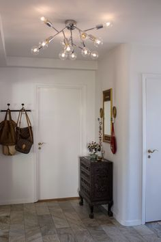 By Rydéns Hero Plafond Krom Scandinavian Ceiling Lighting, Wall Lights, Ceiling Lights, Metallic Paint, Pendant Lamp, Candle Sconces, Floor Lamp, Chrome, Mirror